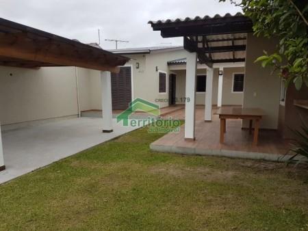 Casa para temporada 2 dormitórios em Capão da Canoa | Ref.: 1878